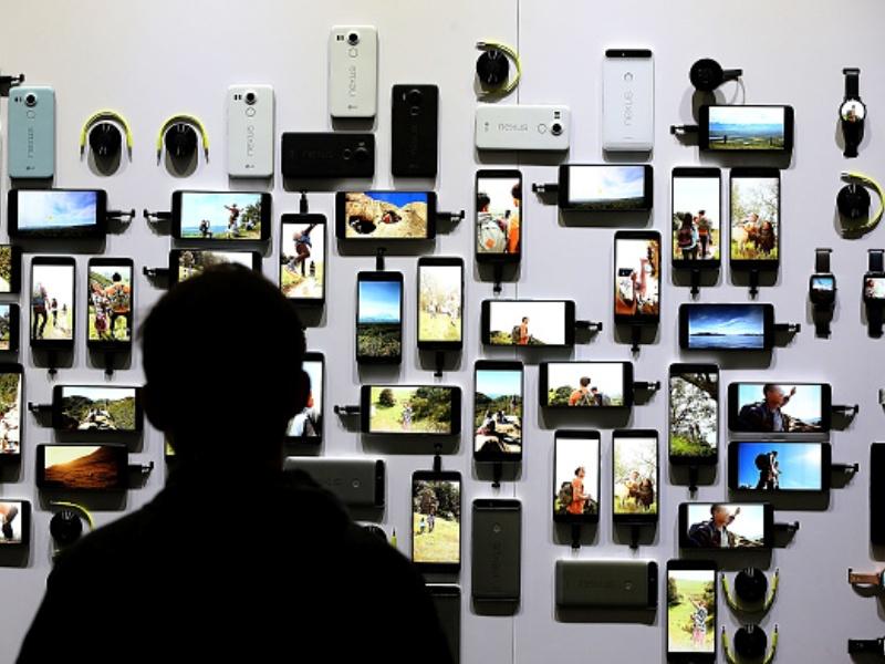 NOKIA: Display Kubwa Ni 'Ujinga Tuu?' Au Teknolojia Ndio Ina Tija Zaidi?