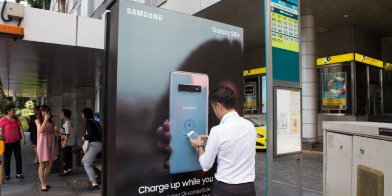 Matangazo Ya Samsung Kuwa Vifaa Vya Kuchajia Galaxy S10!
