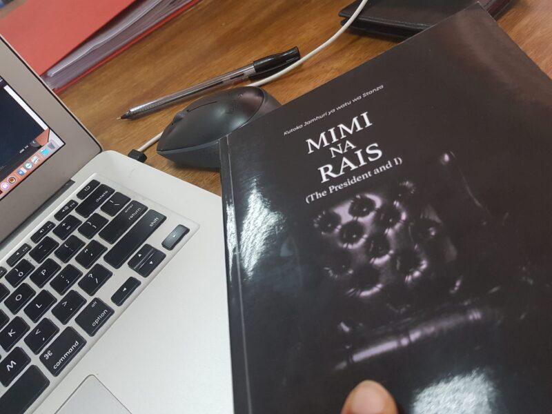mimi-na-rais-kitabu-matumizi-mazuri-ya-mtandao