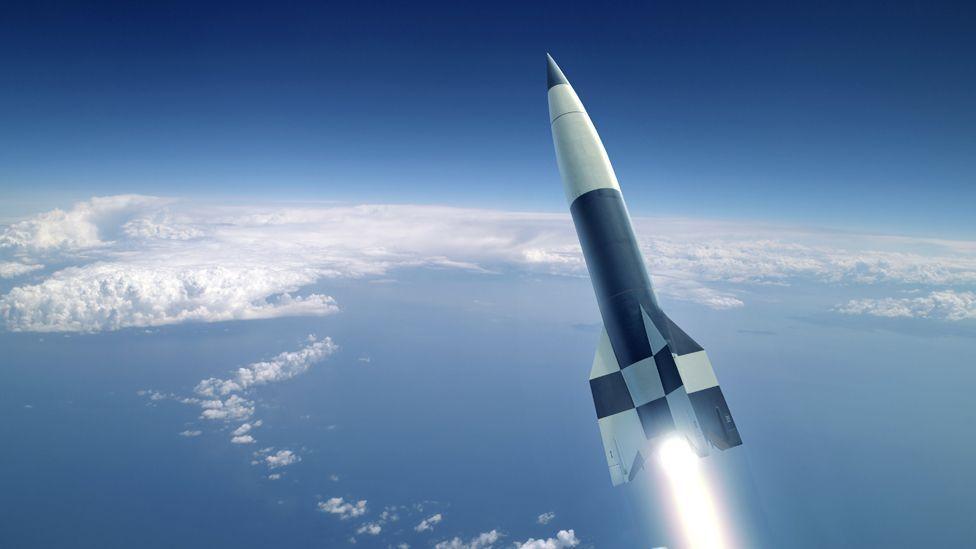 Roketi ya V2 – Roketi ya Vita vya pili vya Dunia iliyojenga teknolojia ya safari za anga